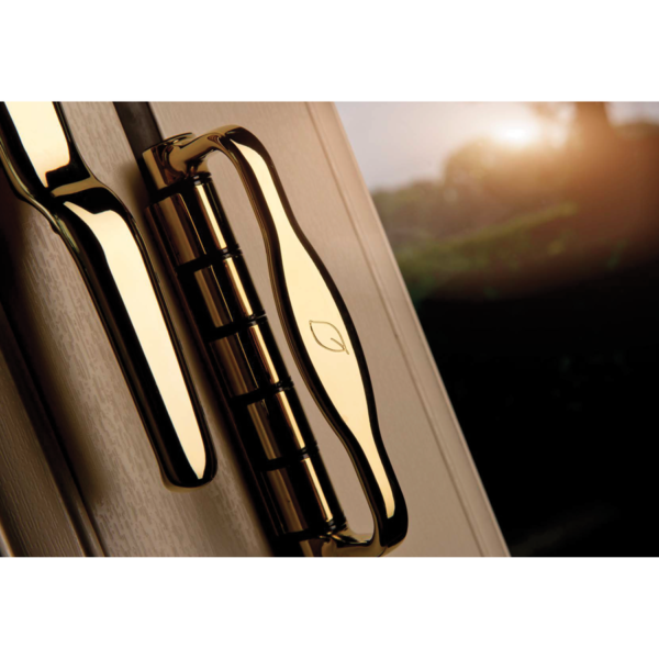 AluminaBespoke Bifolding doors Bedford handles