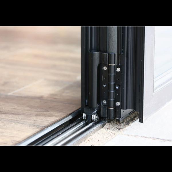 AluminaBespoke Bifolding doors Bedford hinge